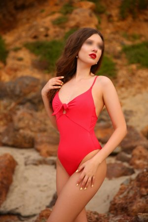 Tijana escorts in Shorewood