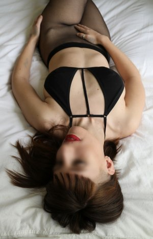 Yaelle escort in Fox Crossing Wisconsin